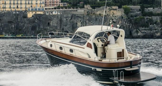 Noleggio barche Sorrento economico Apreamare 38 diamond
