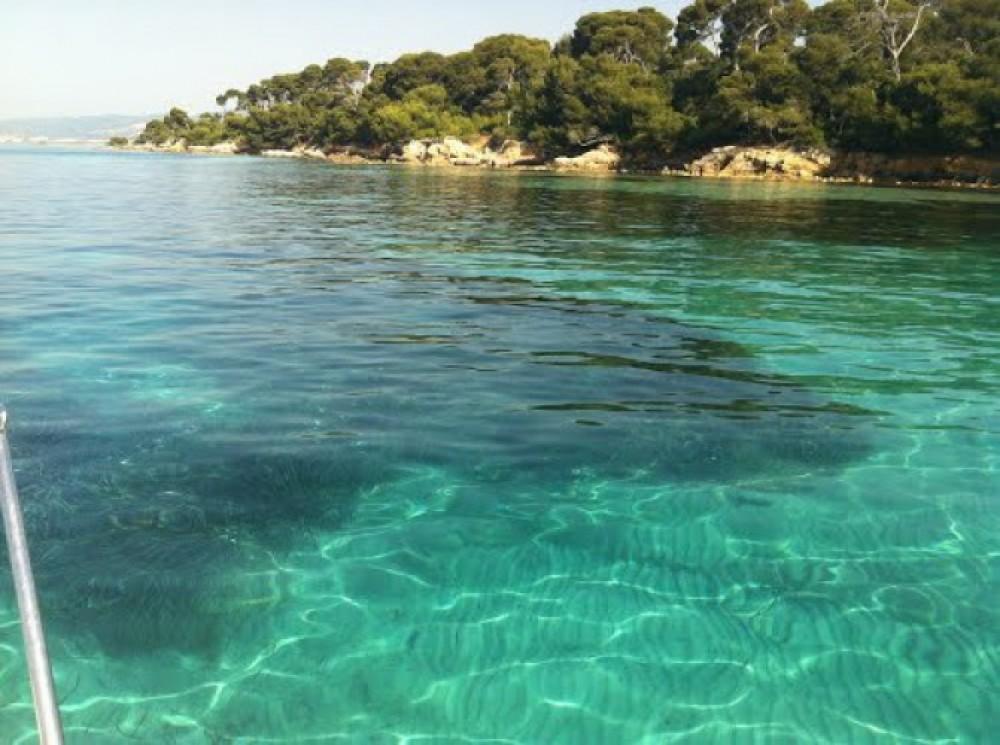 Lancha para alquilar Provence-Alpes-Côte d'Azur al mejor precio