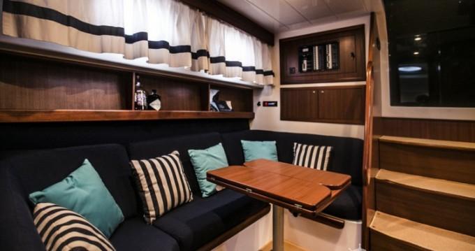 Barca a motore a noleggio Sorrento al miglior prezzo