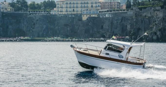 Maresca Sparviero 700 entre particuliers et professionnel à Positano