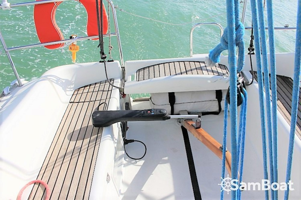 Alquiler de barcos Jeanneau Sun Fast 32i enLa Rochelle en Samboat
