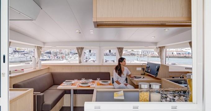 Noleggio barche Central Greece economico Lagoon 400 S2