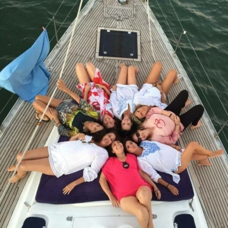 Boat rental Cartagena cheap Master 52