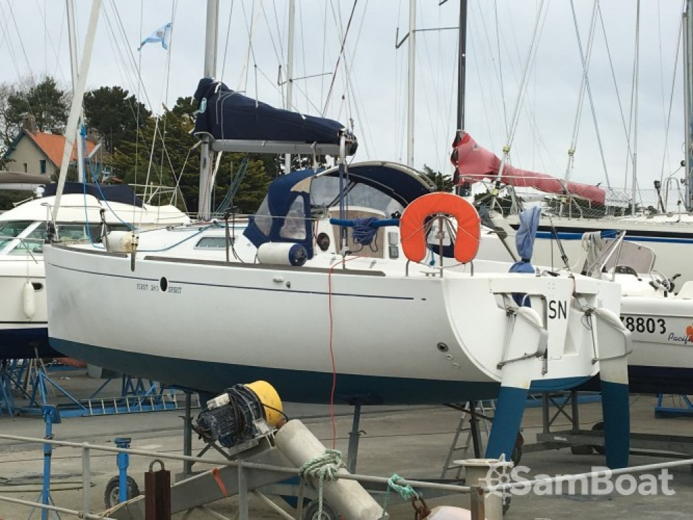 Sailboat for rent Pornic at the best price