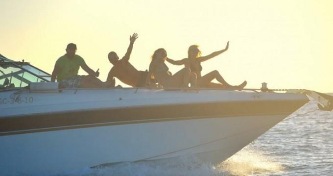 Louer Bateau à moteur avec ou sans skipper Sea Ray à Yaiza