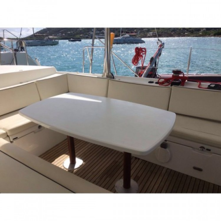 Boat rental Playa Blanca cheap Lagoon 440