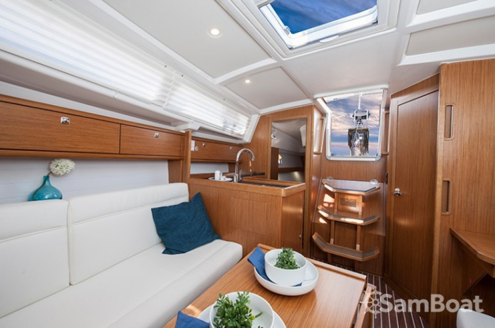 Alquiler de barcos Bavaria Cruiser 33 enPlaya de Palma en Samboat