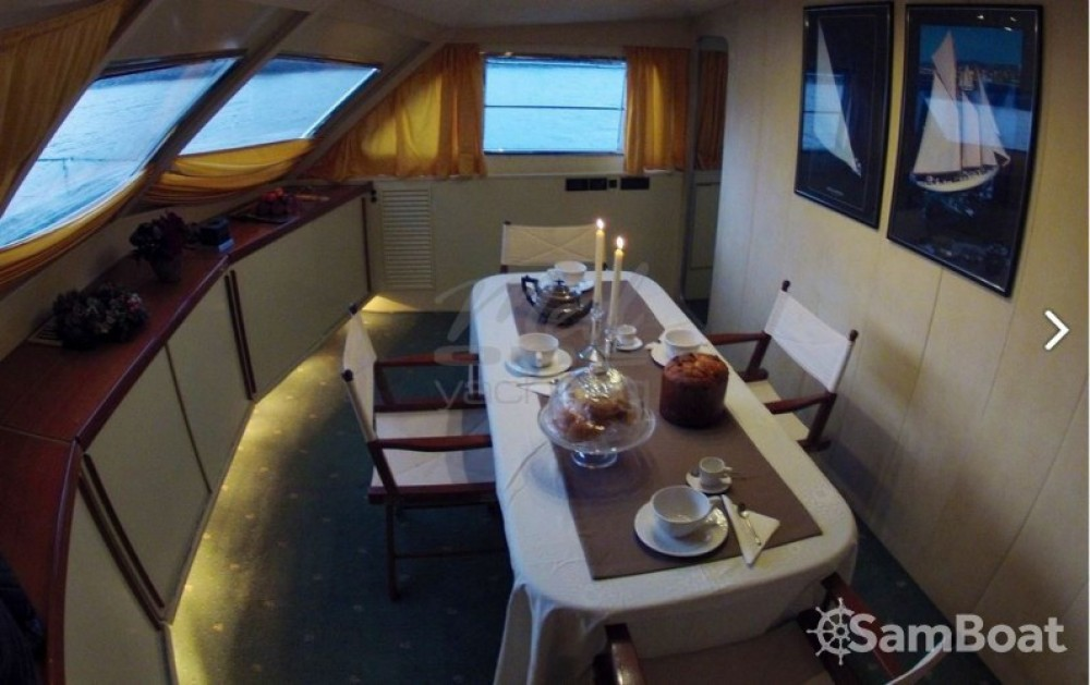 Yacht for rent Fiumicino at the best price