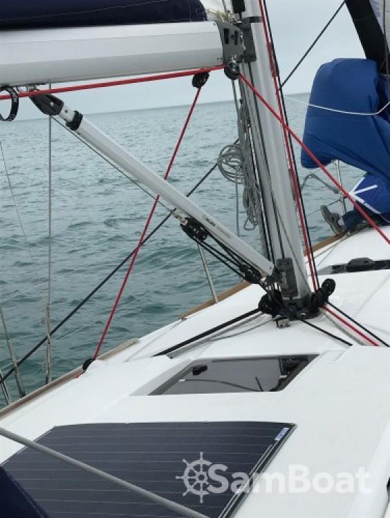 Jeanneau Sun Odyssey 389 entre particuliers et professionnel à Saint-Cast-le-Guildo