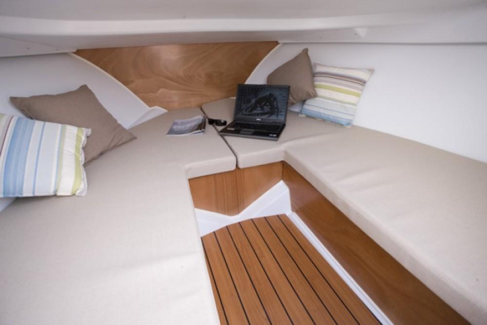 Location bateau Bénéteau Flyer 650 Sun Deck à Gruissan sur Samboat