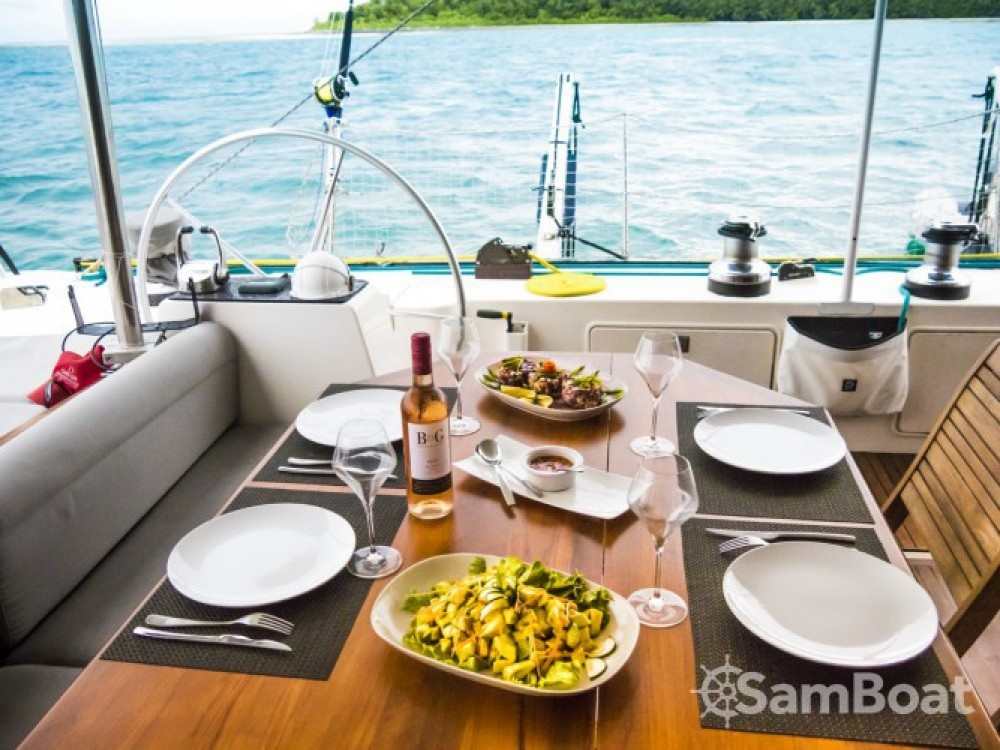 Alquiler Catamarán en Eden Island - Lagoon Lagoon 57