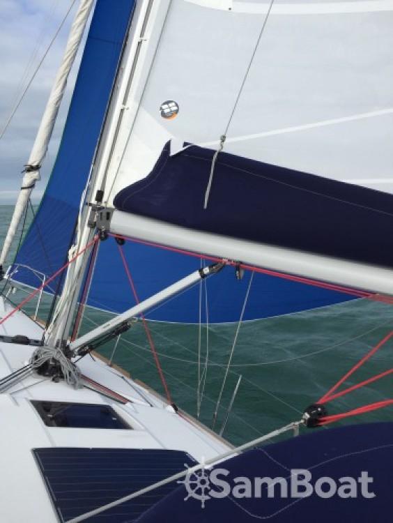 Location bateau Saint-Cast-le-Guildo pas cher Sun Odyssey 389