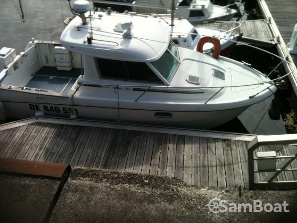 Rental yacht Boulogne-sur-Mer - Jeanneau Merry Fisher 695 on SamBoat