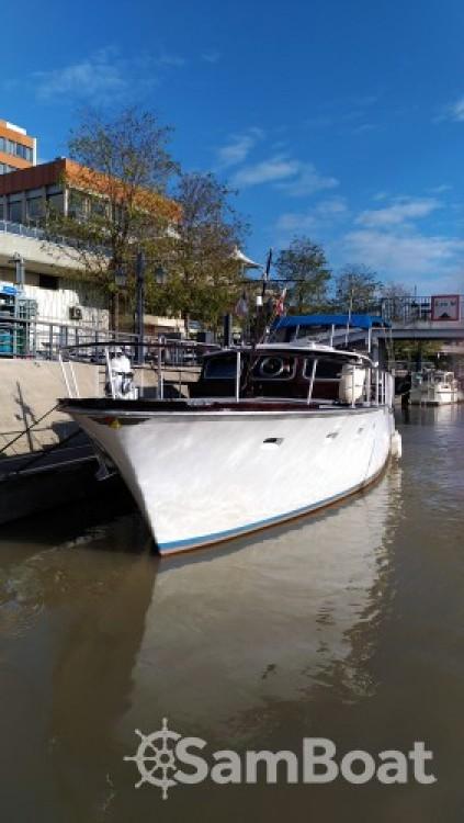 Rental Motor boat in Paris - Klaassen Super Van Craft