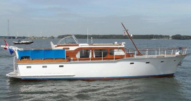 Alquiler Lancha Klaassen con título de navegación