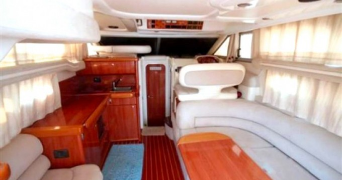 Location bateau Milazzo pas cher F 330 FLY