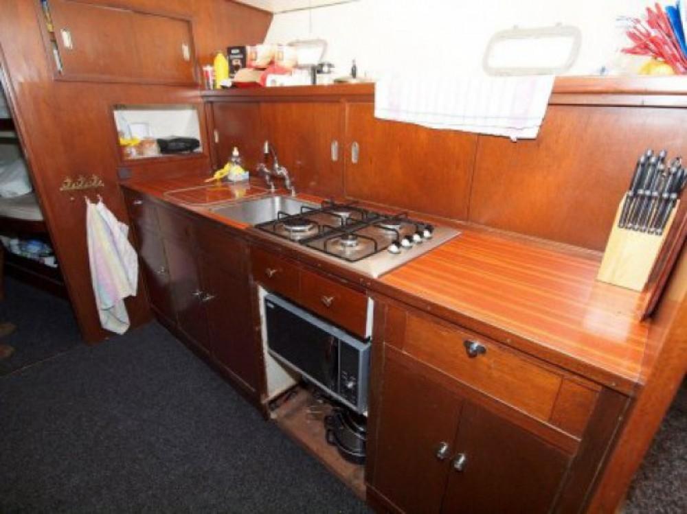 Boat rental Paris cheap Super Van Craft