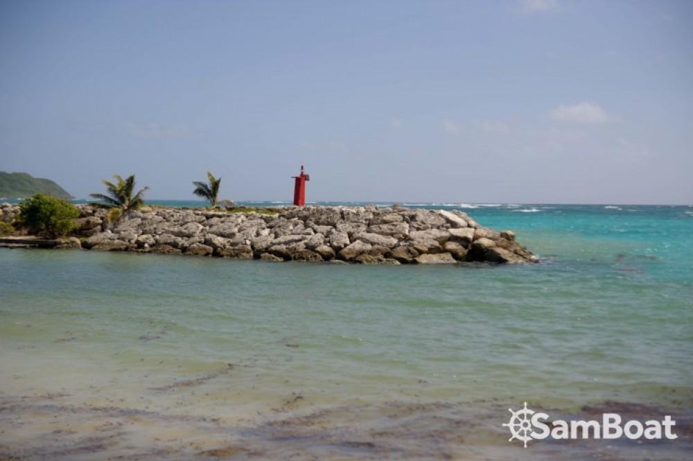 Catamarán para alquilar Basse-Terre al mejor precio