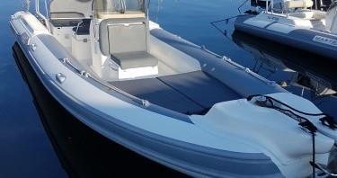 Louer Semi-rigide avec ou sans skipper Motonautica Vesuviana à Porto-Vecchio