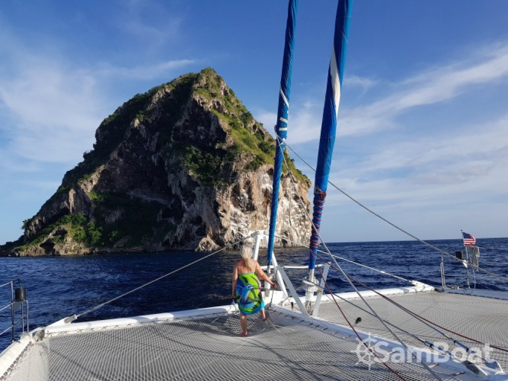 Alquiler de barcos Marina du Marin barato de Taiti 75