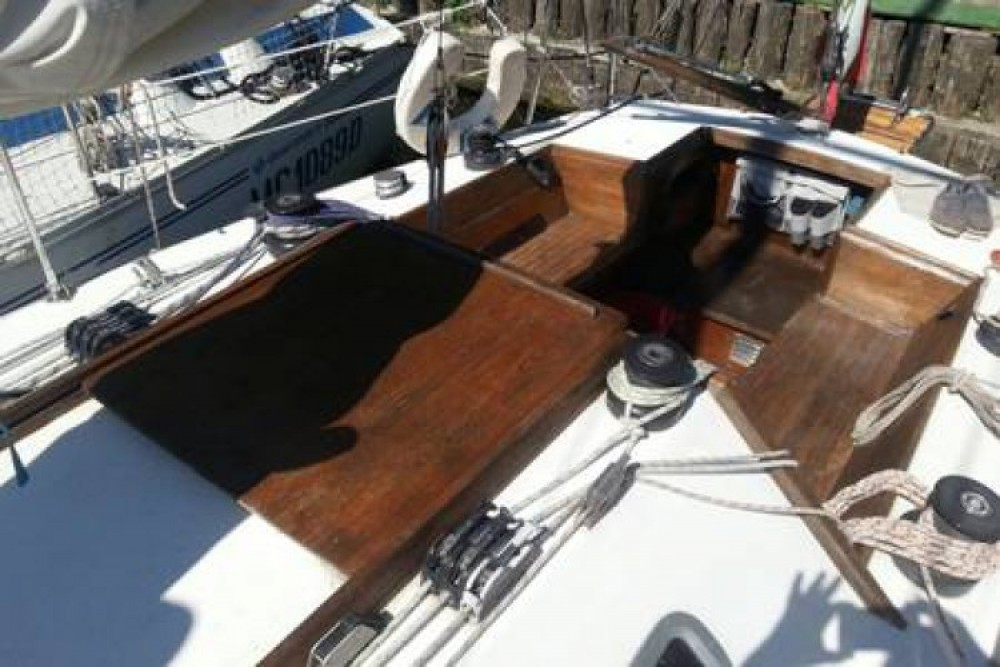 Location bateau Canados canados 33 à Marina di Grosseto sur Samboat