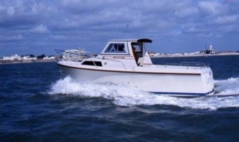 Motor boat for rent Dunkerque at the best price