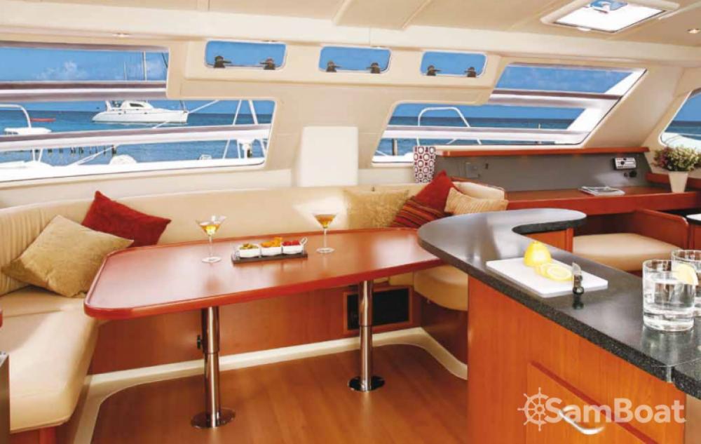 Alquiler Catamarán en Dependencias Federales - Leopard Leopard 46