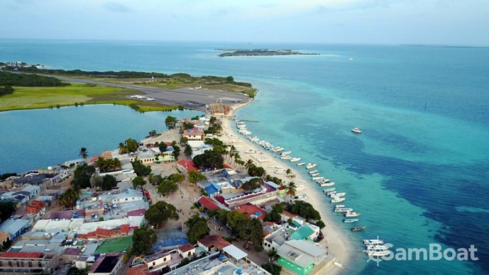 Rental Sailboat in Federal Dependencies - Bénéteau Oceanis 430