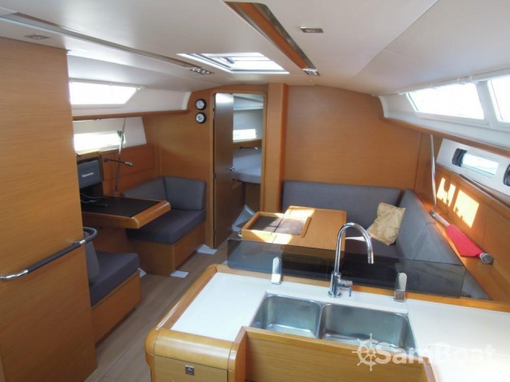 Jeanneau Sun Odyssey 409 entre particulares y profesional La Trinité-sur-Mer