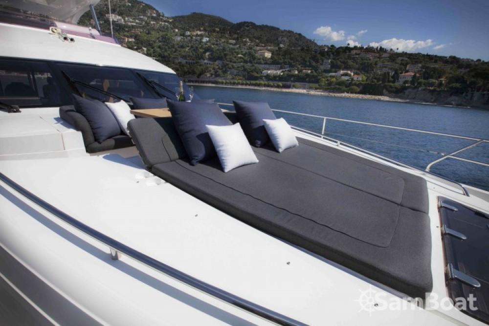 "Alquiler de barcos Princess 22.35 metres (73' 4"") enAntibes en Samboat"