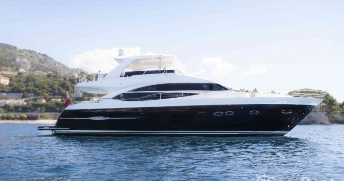 Louer Yacht avec ou sans skipper Princess à Antibes