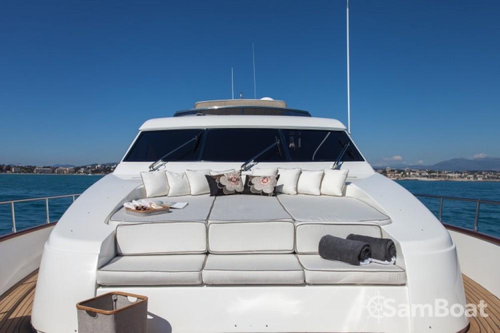 location yacht san lorenzo 23 60 metres  77 u0026 39  5