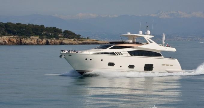 """Louez un Ferretti 24.71 metres (81' 1"""") à Cannes"""