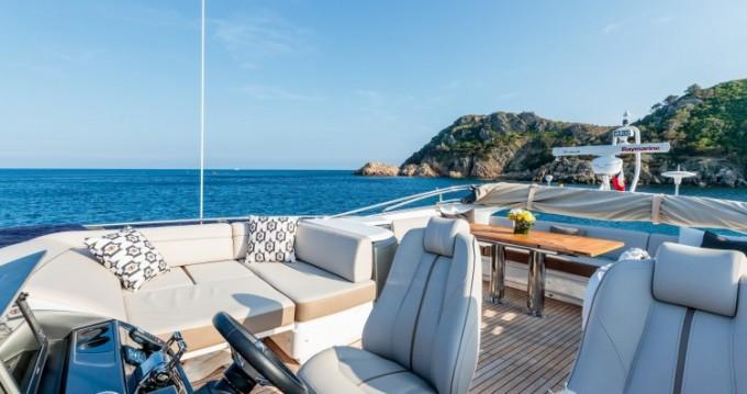 """Location bateau Saint-Tropez pas cher 22.60 metres (74' 2"""")"""