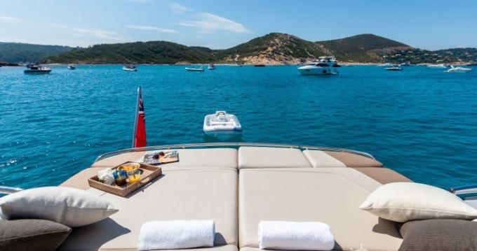 Louer Yacht avec ou sans skipper Princess à Saint-Tropez
