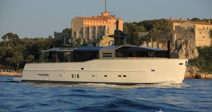 Location bateau Cannes pas cher 25.90 metres (85')