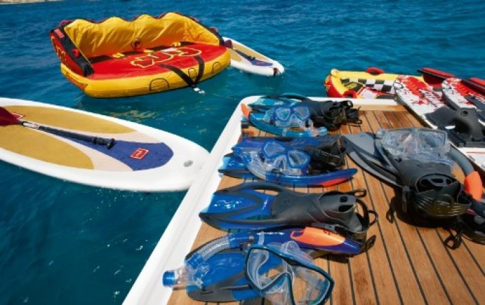 Location bateau Golfe-Juan pas cher 24.00 metres (78')