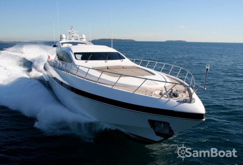 """Alquiler de yate Cannes - Mangusta 28.06 metres (92' 1"""") en SamBoat"""