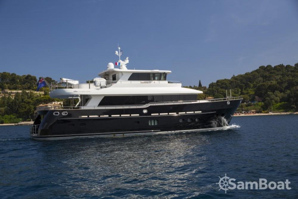 "Rent a Fifth-Ocean-Yachts 23.90 metres (78' 5"") Naples"