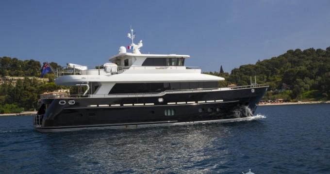 """Louez un Fifth-Ocean-Yachts 23.90 metres (78' 5"""") à Naples"""