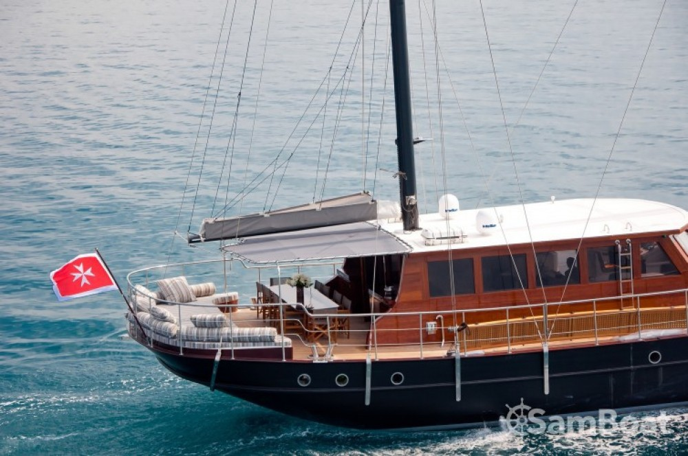 Hire Sailboat with or without skipper Custom Cannes
