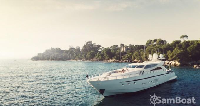 Location Yacht Andrea-Bacigalupo avec permis