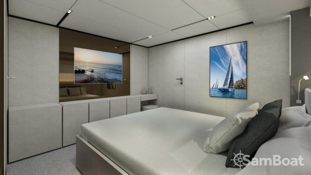 """Location bateau Ferretti 33.00 metres (108' 3"""") à Golfe-Juan sur Samboat"""