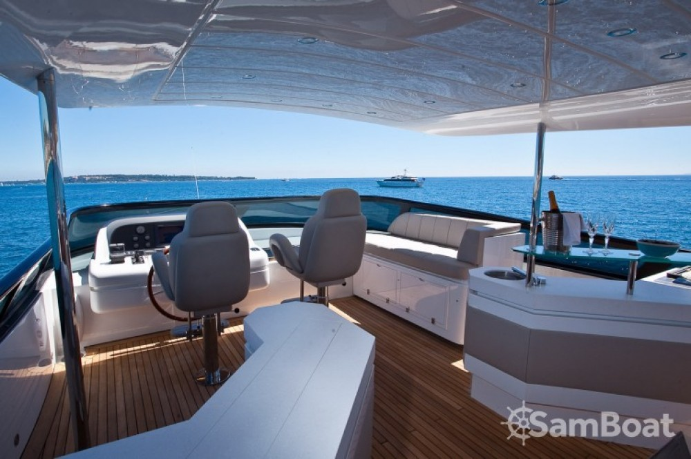 "Maiora 28.70 metres (94' 2"") between personal and professional Cannes"