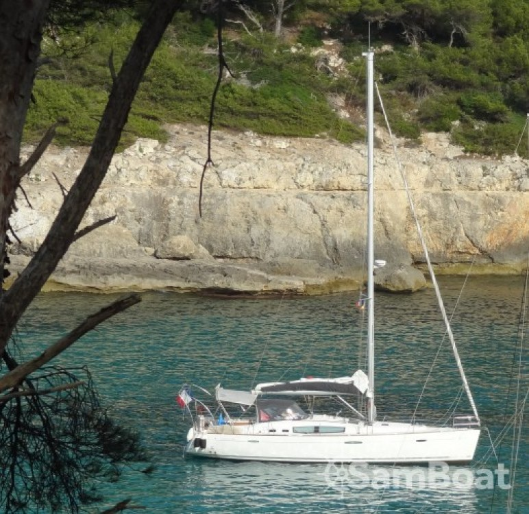 Sailboat for rent Morlaix at the best price