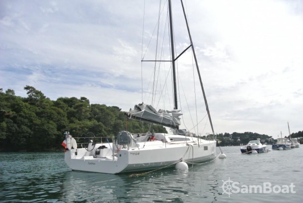 Location yacht à La Trinité-sur-Mer - Pogo Structures Pogo 12.50 sur SamBoat