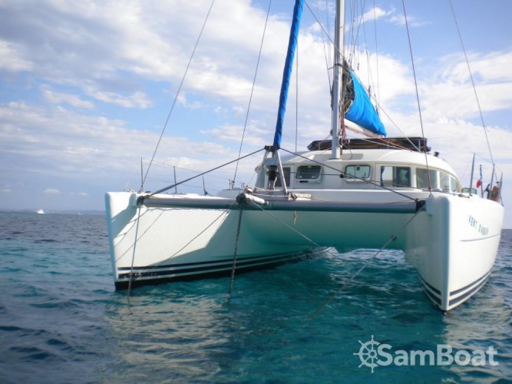 Rental Catamaran in Martinique - Lagoon Lagoon 380