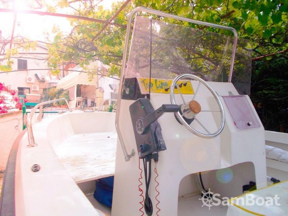 Rental yacht Scalea - Fiart brezza 560 on SamBoat