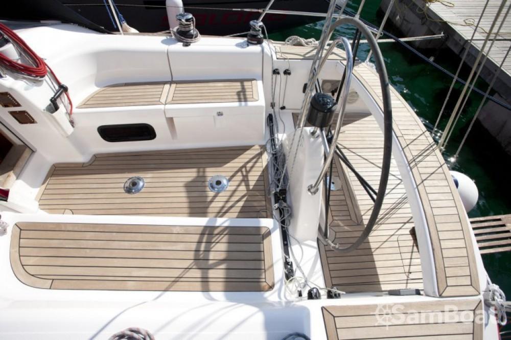 Boat rental Salona Salona 37 in Croatia on Samboat