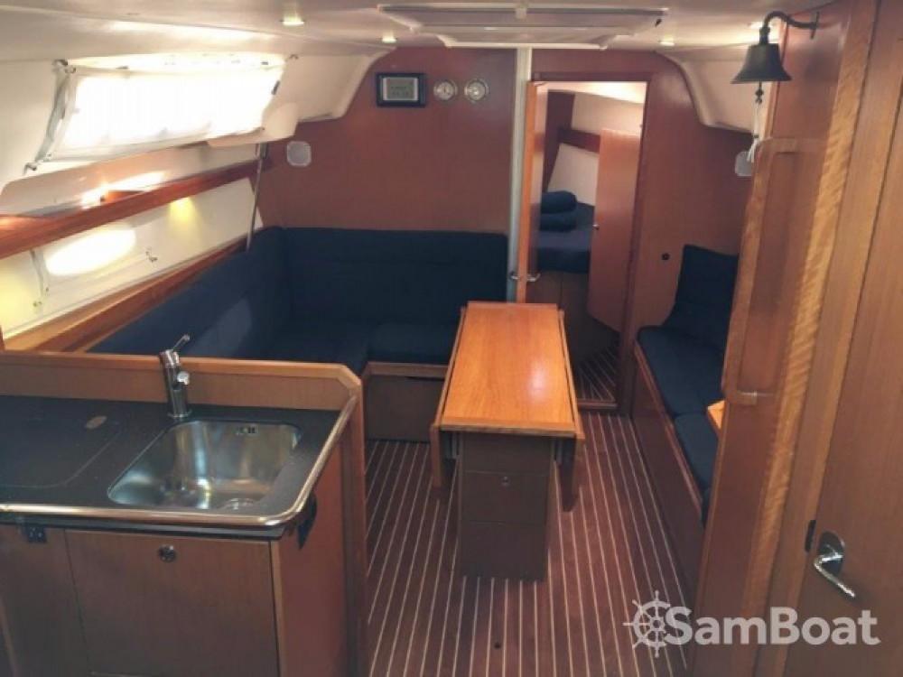 Rental yacht Pula - Bavaria Cruiser 34 on SamBoat